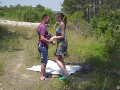 Brunette chick Vika Lita gets her wet cunt disjointed outdoors