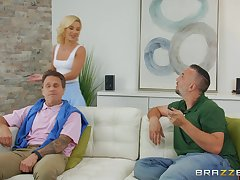 sweltering festival Bella Rose spreads her legs for fat cock space fully she screams